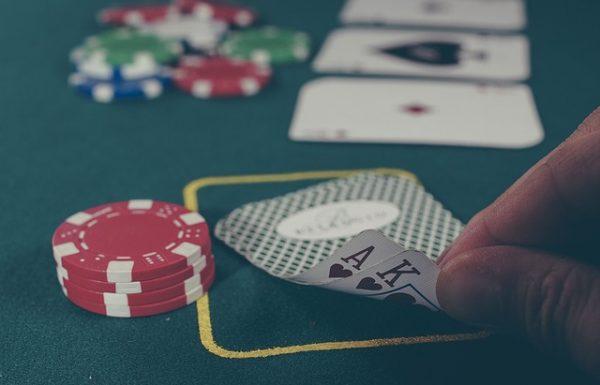"""בואו ללמוד לשחק פוקר בטורניר בחו""""ל"""